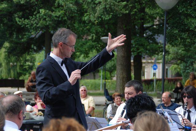 29-june-08-de-dirigent-in-volle-vaart.jpg